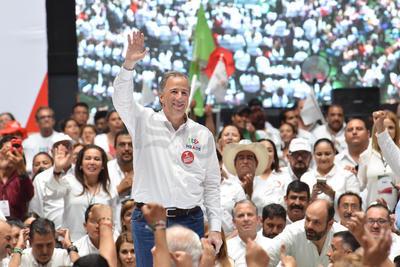 Meade estuvo presente en el Coliseo Centenario de Torreón.