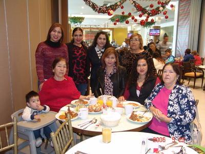 24052018 Sara, Blanca, Ana, Magda, Aidée, Graciela, Chela, Selene y Mathias.
