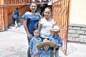 24052018 Gloria, Alejandra, Bárbara, Gael y Darío.