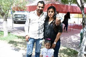 24052018 Víctor, Lupita y Valeria.