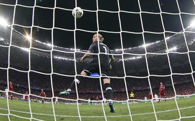 El guardameta de Liverpool no pudo frenar los disparos de Real Madrid.
