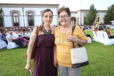 Alejandra de Blanco y Maximiliano Blanco.