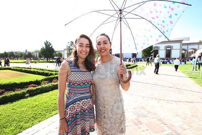Adriana y Vanesa Mota.