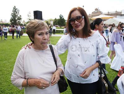 Ana María Cabrera y Adriana de León.