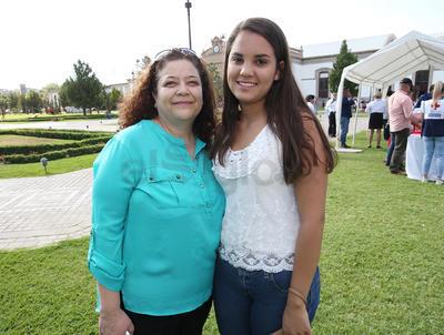 María Guadalupe Soto y Karla Villanueva.