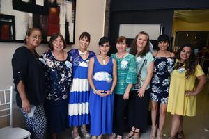 27052018 BABY SHOWER.  Estefanía Verónica Castillo de Caldera con algunas de las asistentes a su fiesta de canastilla.