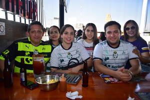 26052018 SANTISTAS DE CORAZóN.  Claudia, Victoria, Ale, Eduardo, Andrea y Ever.