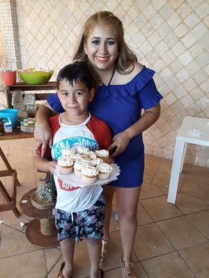 28052018 Diana Arellano con Edwin Mauricio Ayala.