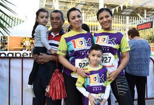27052018 EN CARRERA.  Carolina, Sebastián, Leo, Valentina y Jesús.