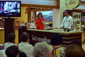 26052018 Los reconocidos chefs compartieron útiles consejos con los presentes.