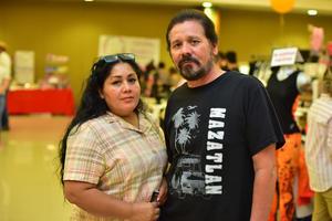 27052018 EN LA VENDIMIA.  Sonia y Carlos.