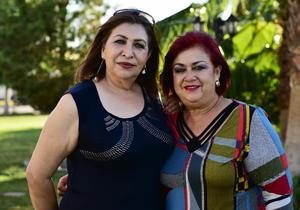 27052018 AMIGAS.  Tere Hernández y Nina Lechuga.