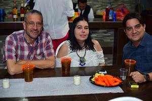 Jose Sandra y Mario