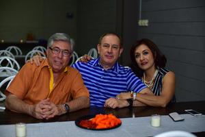 Raul  Vicente y Layla