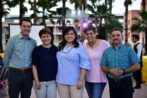 Manuel  Elena  Adriana  Claudia y Carlos