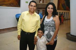 29052018 EN FAMILIA.  José Miguel, Victoria y Maximiliano.