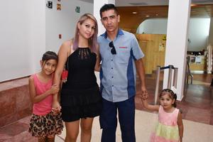 29052018 Annel, Alejandra, Fernando y Astrid.