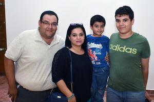 29052018 Luis, Olga, Rodrigo y Luis Diego.