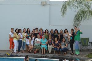 30052018 FELICES.  Integrantes de la Familia Muñoz celebraron el Día de las Madres.