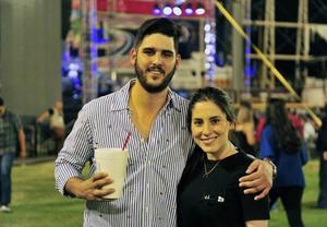 30052018 Ricardo y Daniela.