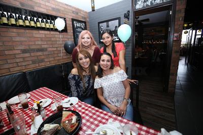 Elizabeth Enríquez, Karen Rosas, Marìa Gurrola y Candy Torres.