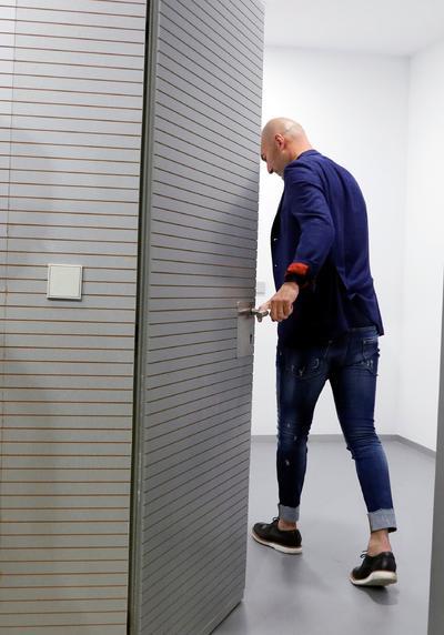 La última imagen de 'Zizou' en la sala de prensa del Real Madrid.