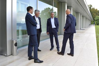 Zidane logró imponerse a técnicos como su mentor Carlo Ancelotti, así como a José Mourinho y Massimiliano Allegri, a quienes les ganó finales por títulos importantes.