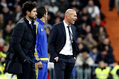 Dirigió su primer encuentro ante el Deportivo La Coruña.
