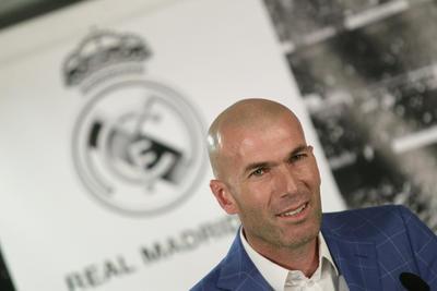 Fue presentado como técnico blanco en enero de 2016 tras la destitución de Rafael Benítez.