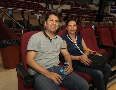 Raudel Espinoza y Tania Jara.