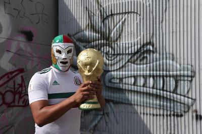 Con imitaciones de la Copa del Mundo, los mexicanos vieron a su Selección por ultima vez en México antes de partir a Rusia.