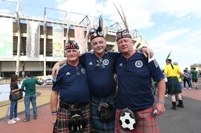 Al menos unos 500 escoceses estuvieron presentes en el partido.