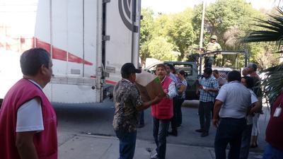 Arribaron a Torreón los camiones cargados con la documentación electoral a las Juntas Distritales 05 y 06 del Instituto Nacional Electoral (INE).