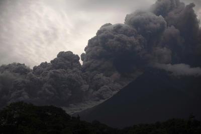 Aclaró que la evacuación no se realizó por la mañana porque el panorama de la erupción no era tan fuerte, sino que fue por la tarde cuando fueron alertados de la avalancha de flujo piroclástico.
