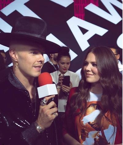 El dueto de Jesse & Joy se llevó el premia a Artista+ chin***  México.