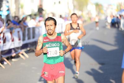 Los atletas kenianos dominaron el Medio Maraton Libertad de Expresión 2018.