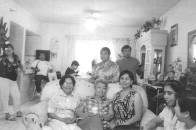 03062018 Familia Tea, hace algunos años