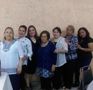 03062018 CELEBRA SU CUMPLEAñOS.  Yolanda Hernández Sáenz en su festejo acompañada de algunas de sus invitadas.