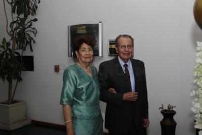Juan Toro y Lourdes de Toro.