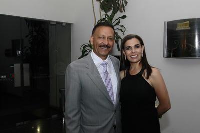 Alejandro Córdova y Meli Juárez.