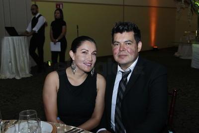 Elena y Homar Cano.