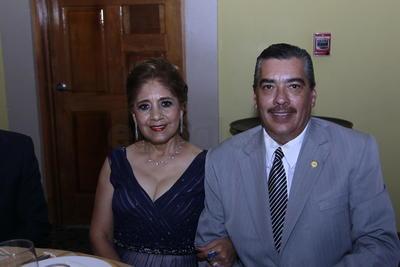 Elena Luna y Victor Zuriel.