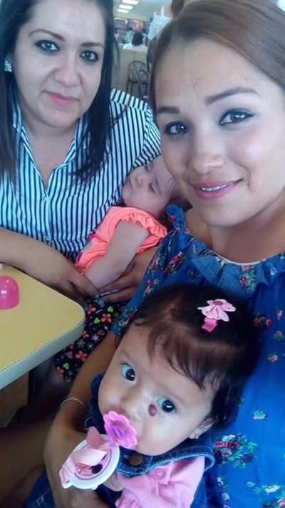 07062018 Alejandra y Mayra con sus hijas.