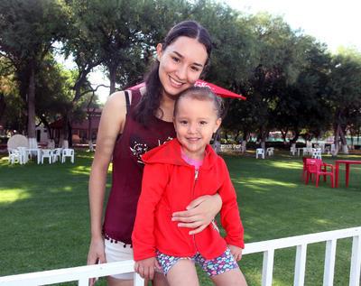Paulina y Angie.