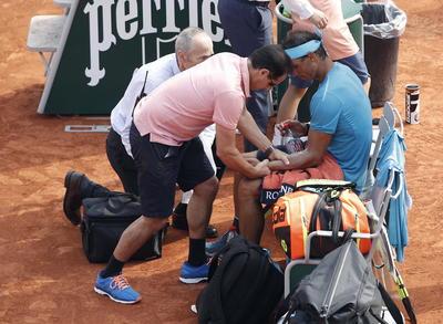 Con algún contratiempo, Nadal disputó la final del Roland Garros en París.