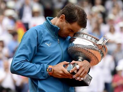 """El """"Rey de la Arcilla"""" dio cátedra en la cancha Philippe-Chatrier de Roland Garros."""