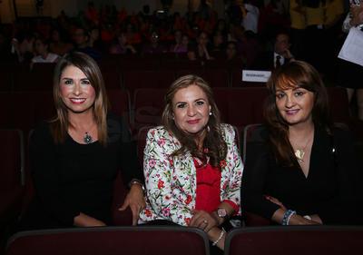 Ruth Vázquez, ,ercedes Barrantes y Norma Patricia.