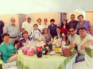 10062018 EN FESTEJO.  Gloria, Ruy, Cristina, Mario, Mario Alberto, Gaby, Mariana, Carmen, Yuri, Fernanda, Jeny, Héctor, Armando, Guillermo y Joel.