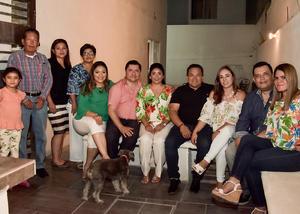 10062018 FESTEJA 42 AñOS DE VIDA.  Alejandro Rivas acompañado de su familia en su fiesta de cumpleaños.