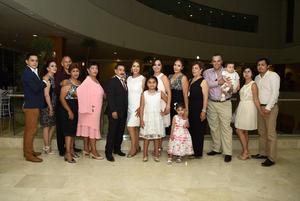 10062018 POR CASARSE.  Aída Sánchez Rentería y Felipe de Jesús Macías Domínguez acompañados de la Familia Sánchez Rentería en su fiesta de despedida.